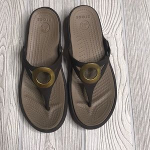 Women's Sanrah Brown Croc Sandals - 8